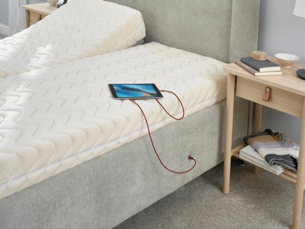 usb socket on bed