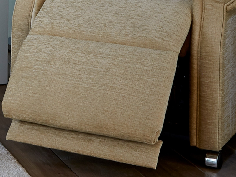 extendable footrest on riser recliner chair