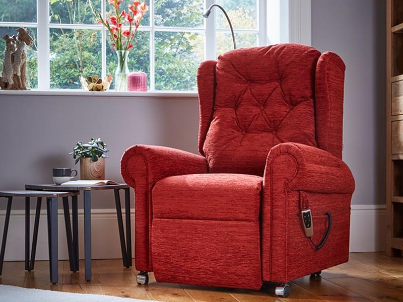Hanbury Plus riser recliner chair