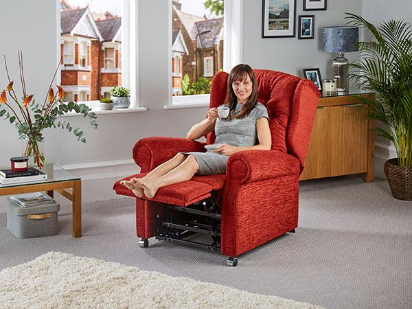 hanbury riser recliner chair