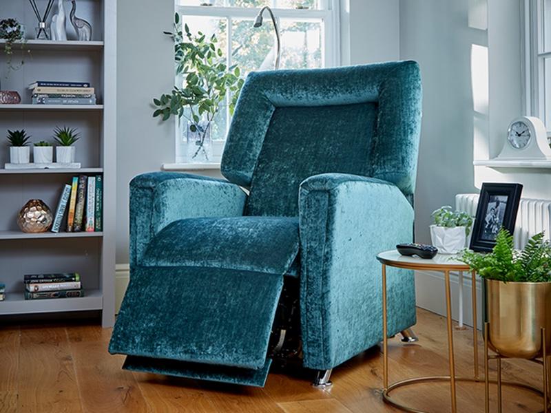 The manhattan riser recliner chair